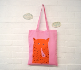 """Hi"" Cat Man Tote in pink"