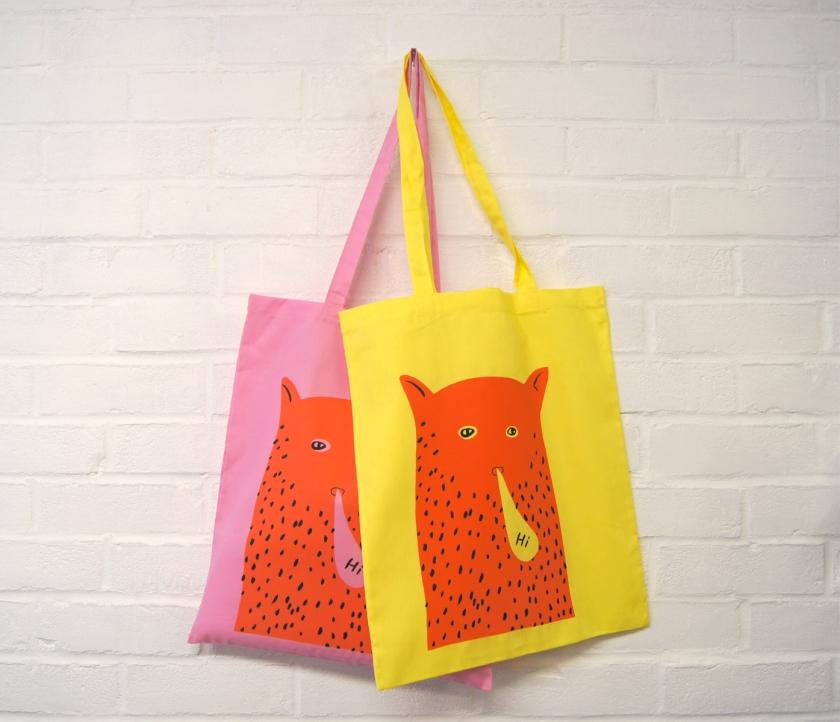 """""""Hi"""" Cat Man Tote Bags"""
